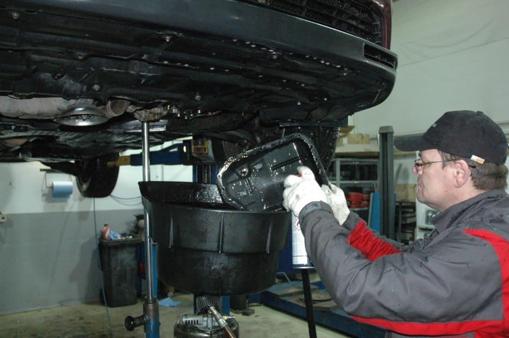 Техническое обслуживание двигателя Мерседес в Казани